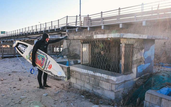 Surfing the 38th Parallel, Photo Essay Series: Soldiers and the Sand ...